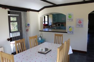 The kitchen and dining area in Willowhurst